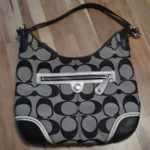 Coach Purse nwot.  READ.. NO LOWER PRICE !!
